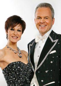 000b-JOAN & KENNY QUINN der-Grandseigneur-der Taschendiebe-Pressefoto-